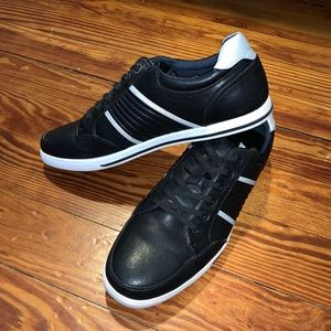 Also Yiniel Shoes